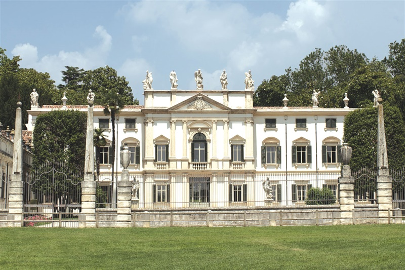 La magia di Villa Mosconi Bertani