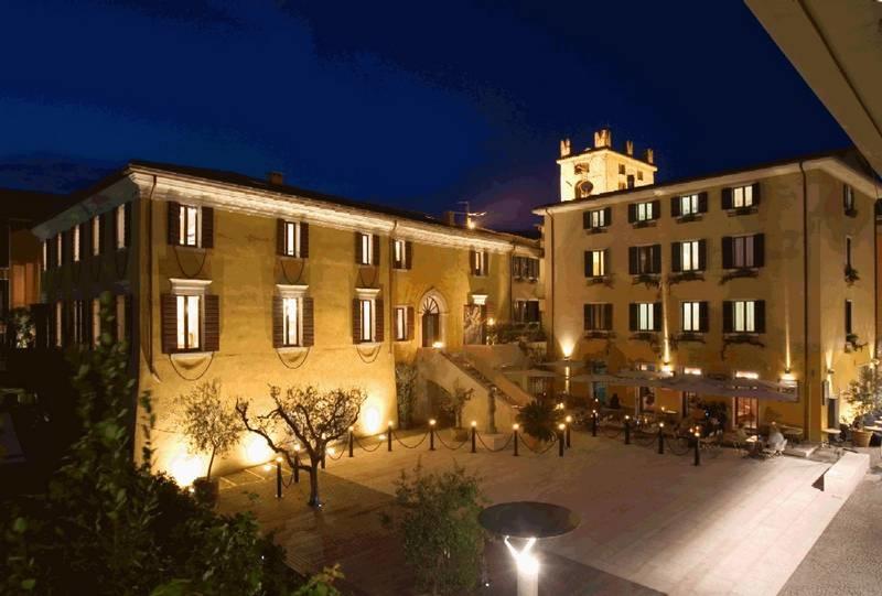Villa Carlotti, sulla riva del Garda